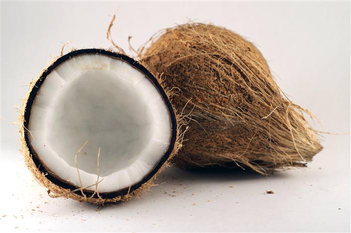 óleo de coco ajuda a emagrecer