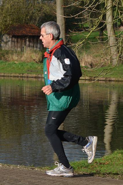 Exercícios após caminhada evitam dores