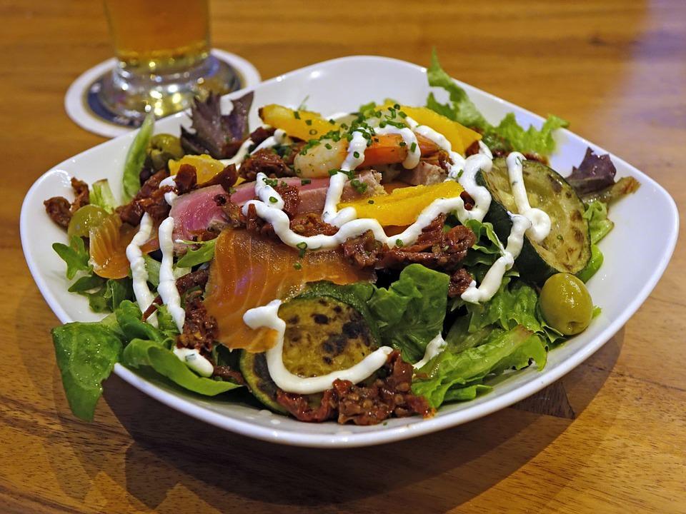 refeições leves na menopausa ajudam