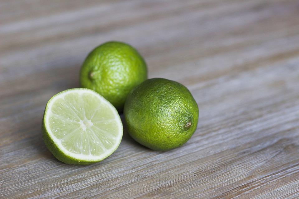 óleo essencial de limão ajuda a perder peso