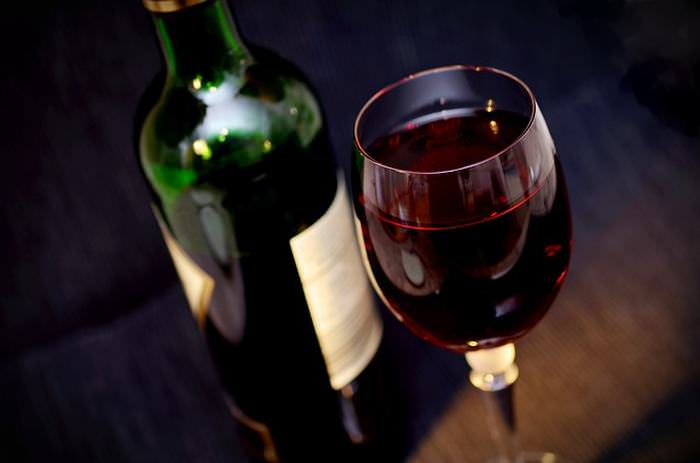 beenefícios do vinho tinto para a saúde