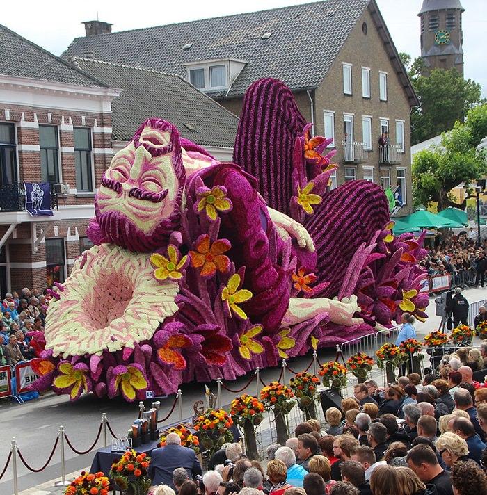 Esculturas Gigantes De Flores