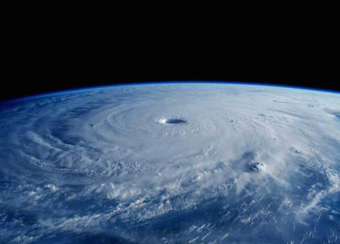 21 Incríveis Fotos do Espaço Tiradas em 2015