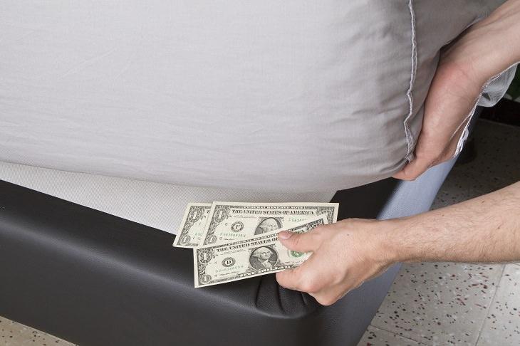 Não esconda seu dinheiro nesses lugares