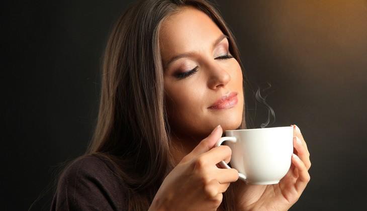 Como o café afeta seu corpo durante todo o dia