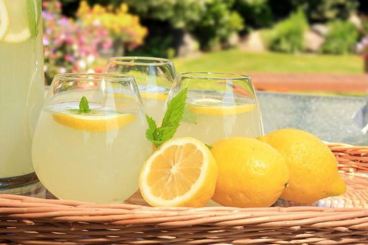 Está deprimido? Esta limonada cúrcuma vai lhe ajudar!