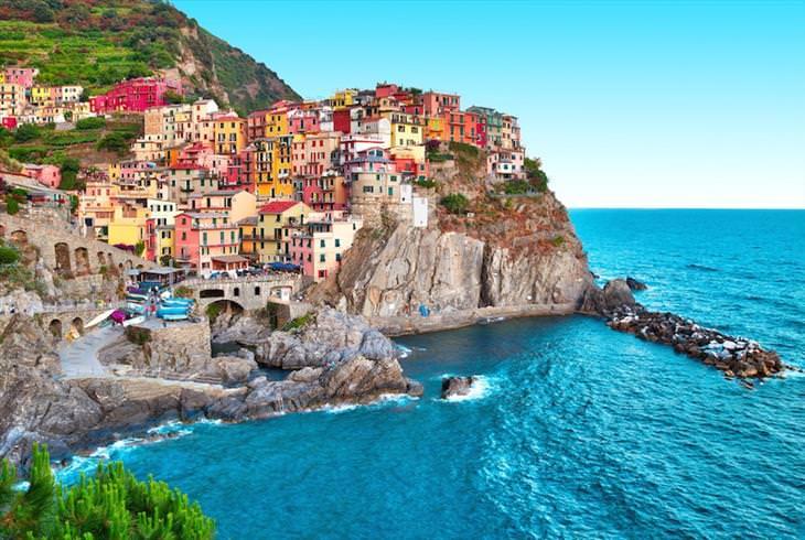 10 belas cidades pequenas em Itália