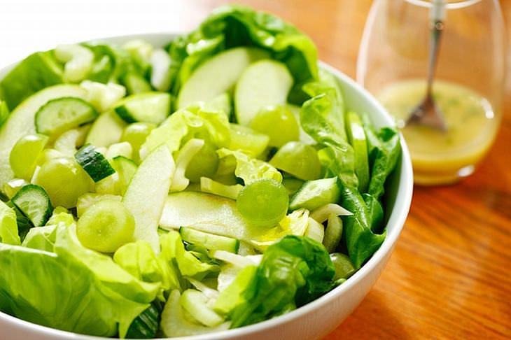 3 Deliciosas Saladas Que Cuidam dos Seus Olhos!