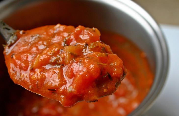 Anvisa proíbe a venda de molhos de tomate