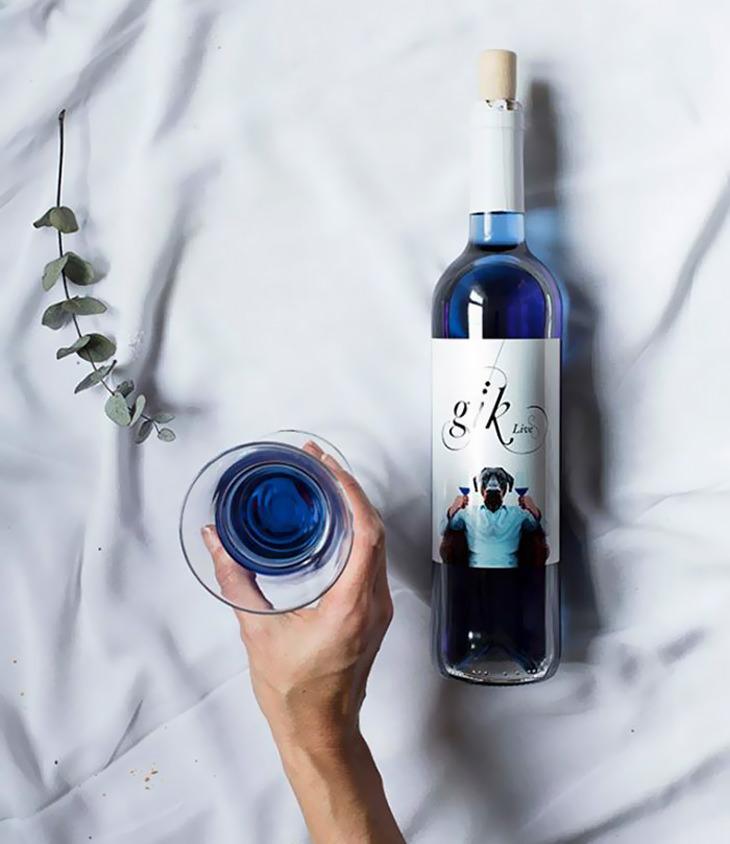 você conhece o vinho azul?