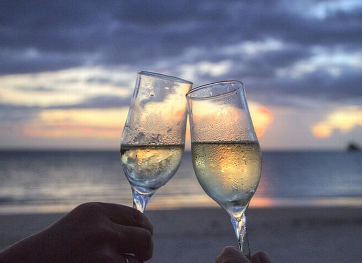 benefícios do champanhe para a saúde