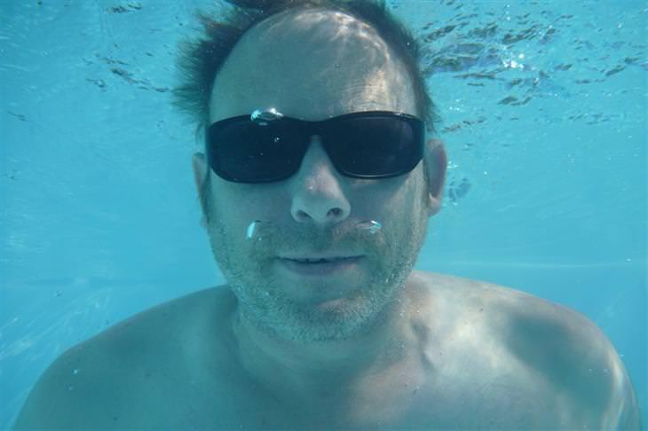 Como ajudar uma pessoa em caso de afogamento