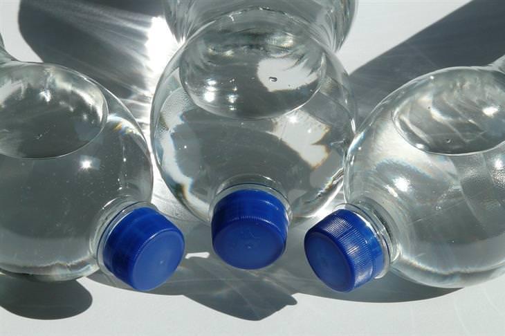 O Perigo de Reutilizar as Garrafinhas Plásticas