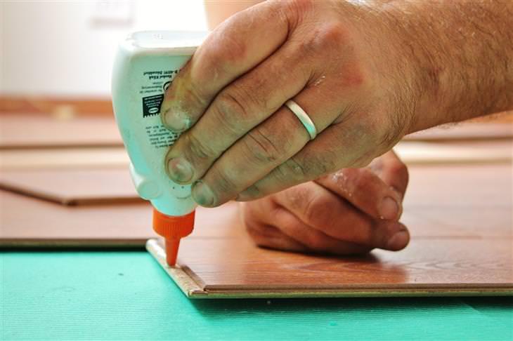 Como limpar seus tapetes e carpetes de acordo com o que cai neles