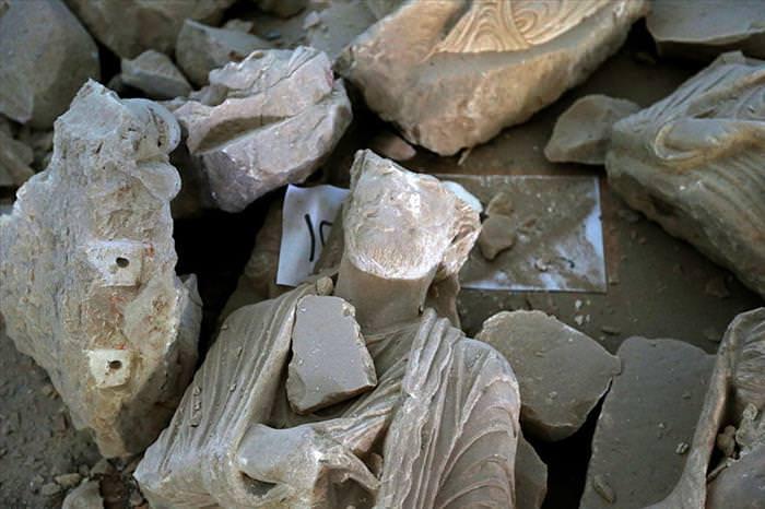 Os arqueólogos se preocupam em salvar o que restou de Palmira, na Síria
