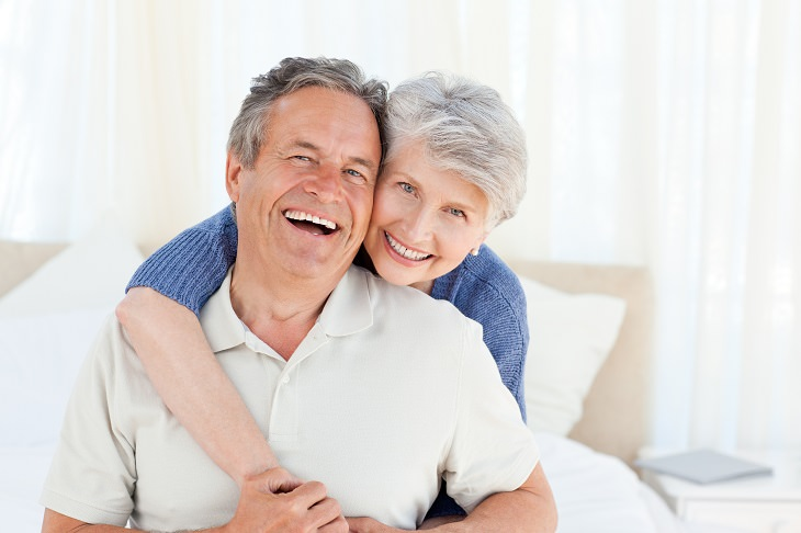 50 anos é uma idade para se tornar espontâneo com seu parceiro