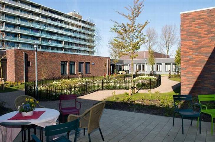 Uma vila muito especial na Holanda para idosos com demência