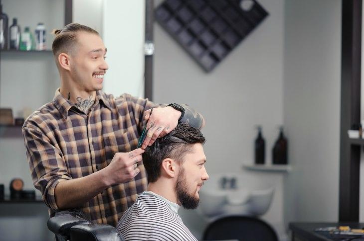piada do barbeiro traído