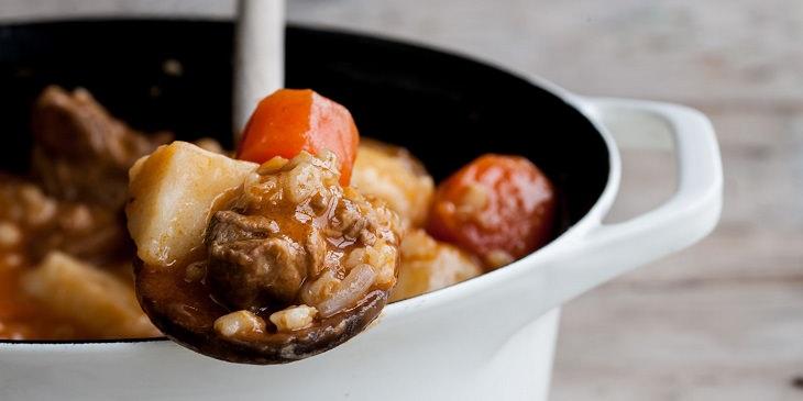 Receita: Delicioso cordeiro com batatas