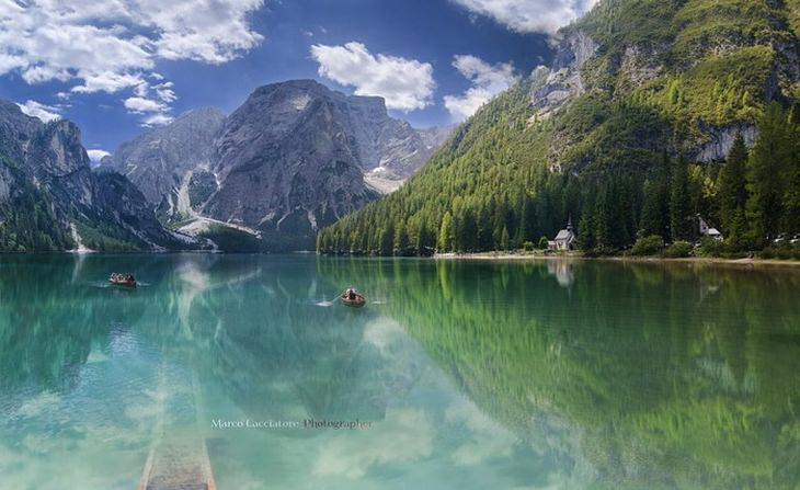 20 Fotos de lugares incríveis refletidos na água