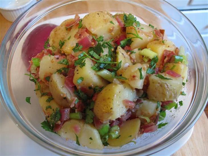 Receita da Semana: Salada de Batatas Alemã