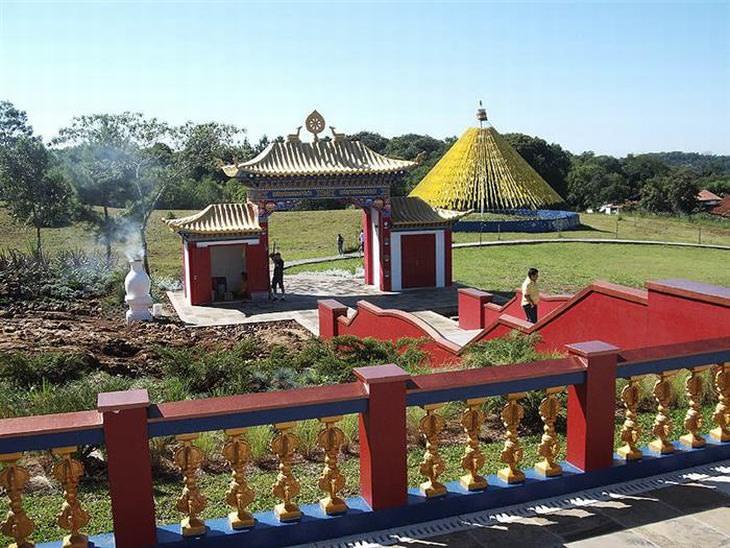 khadro ling templo budista na serra gaúcha brasil