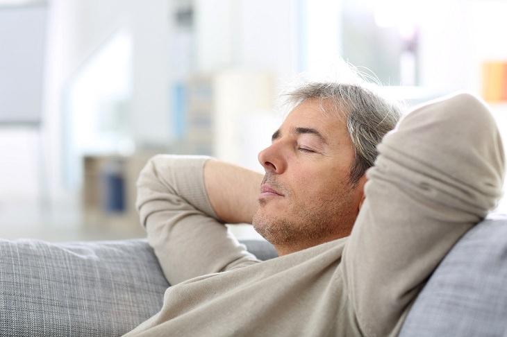 tomar café antes da soneca diminui o cansaço