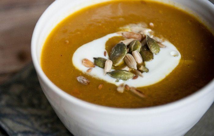 Como fazer uma sopa de abóbora saborosa