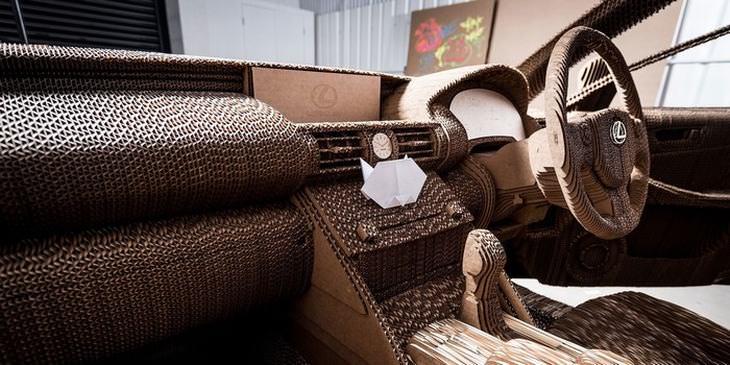 carro de papelão da lexus