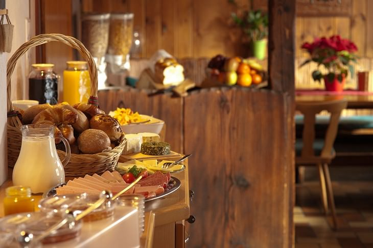 10 Alimentos que você NÃO deve comer no café da manhã