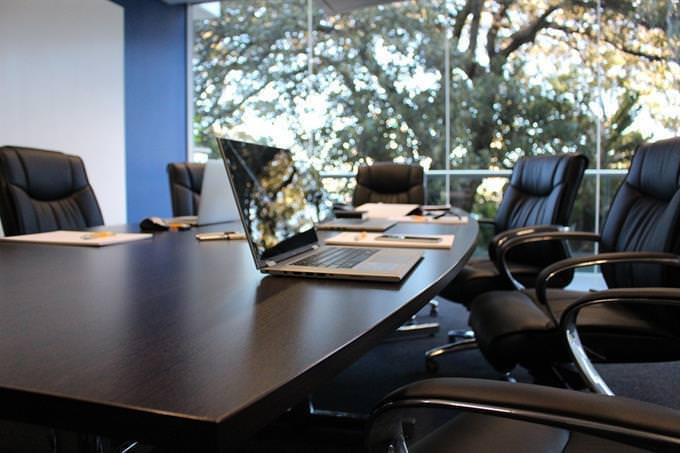 mesa da sala de reunião