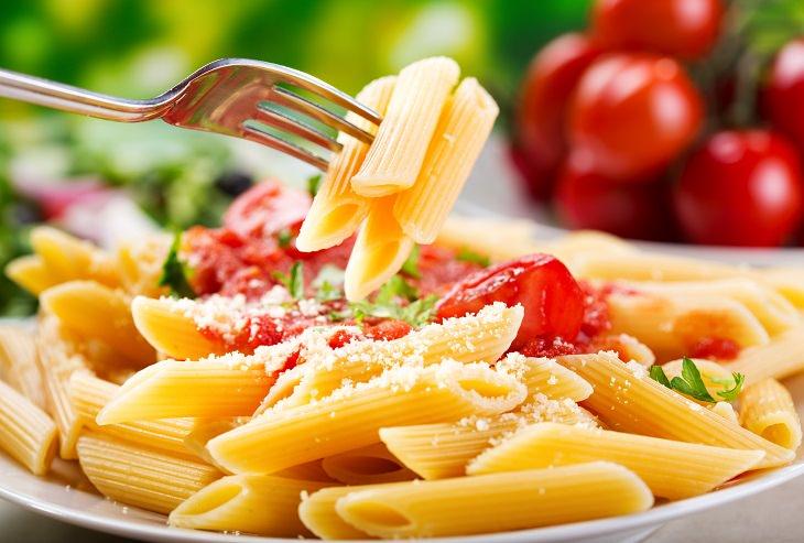 10 Alimentos que você deve evitar depois dos 40