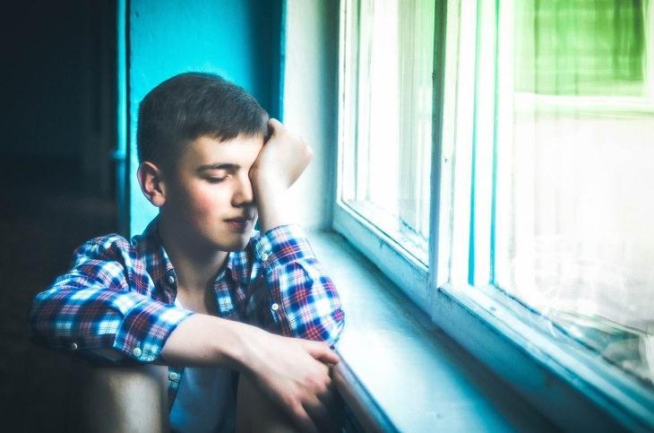 9 sinais de pessoas com depressão aculta