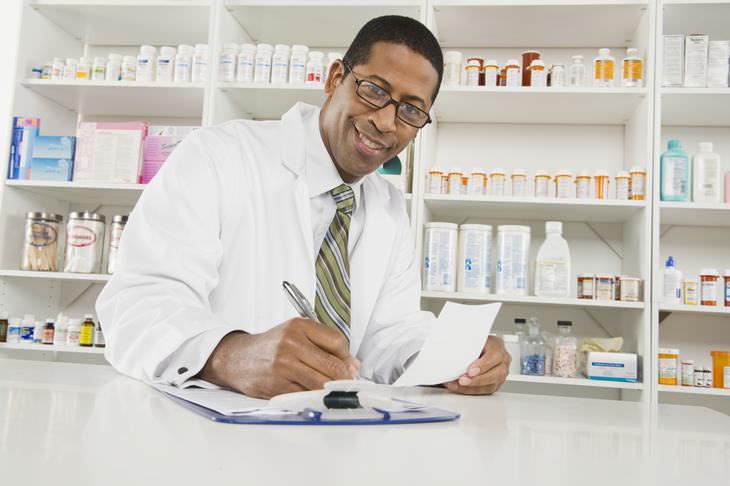 piada: a turista na farmácia de itu