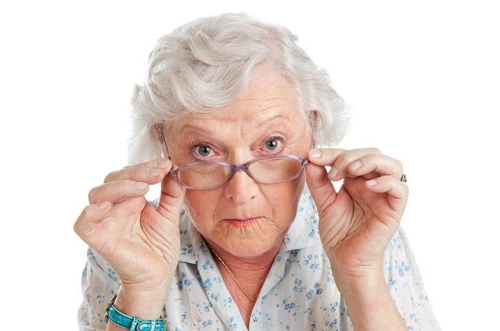 piada de velhinha - a velhinha vai a julgamento