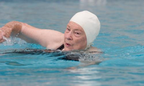 Piada: Mamãe sabe nadar