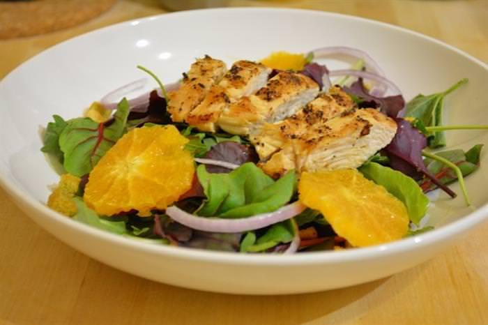 receita, salada de frango, laranja
