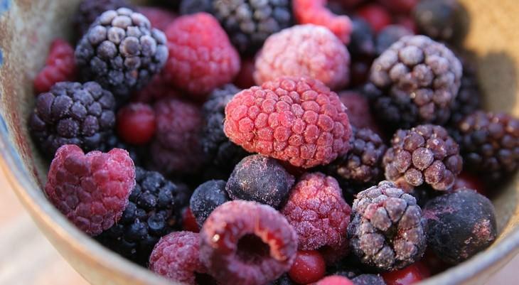Não coloque esses 5 alimentos no micro-ondas