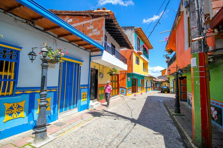 A cida mais colorida do mundo: Guatapé, na Colômbia