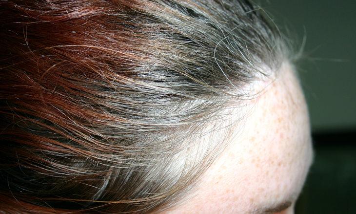 por que você não pode dormir com cabelo molhado
