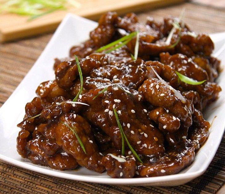 Aprenda a cozinhar esse prato delicioso da Mongólia de carne suculenta
