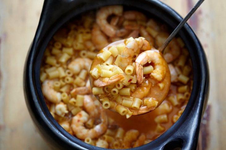 Receita de sopa de tomate e camarão