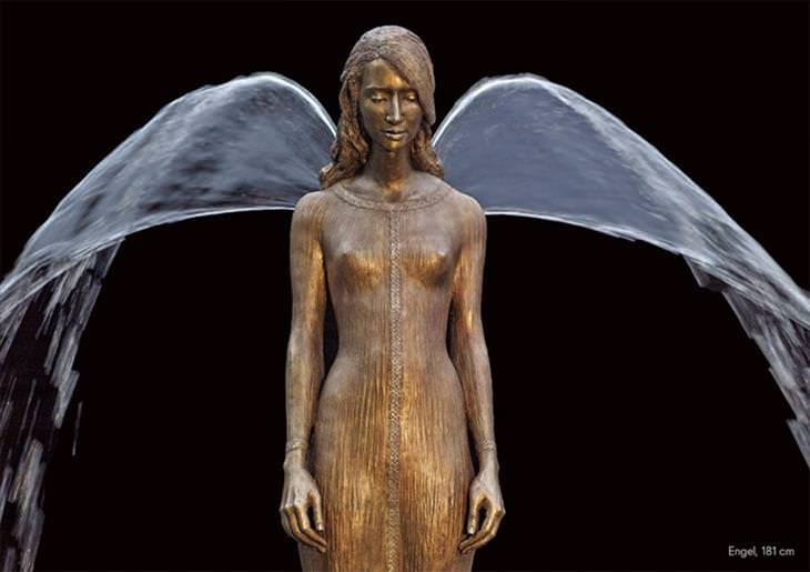 Esculturas de bronze da artista Małgorzata Chodakowska