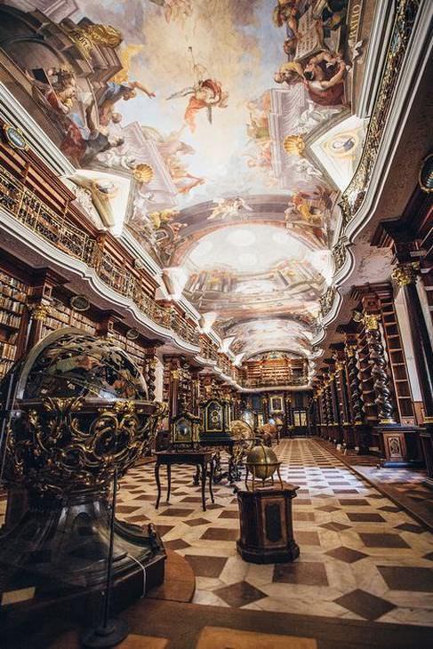 biblioteca clementinum em praga