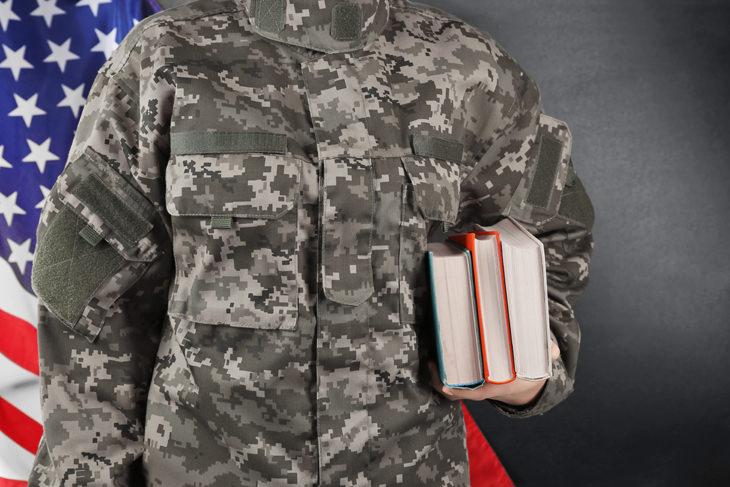 Piada hilária do soldado que não sabia onte estava