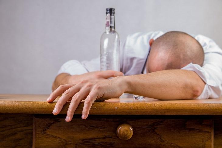 8 Causas de dores de cabeça matinais