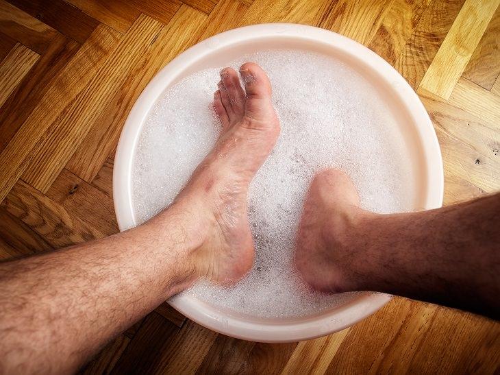 Se você sofre com os pés rachados essas dicas são pra você!