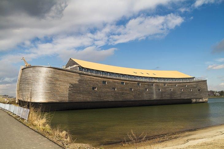 piada Deus e Noé e a nova arca