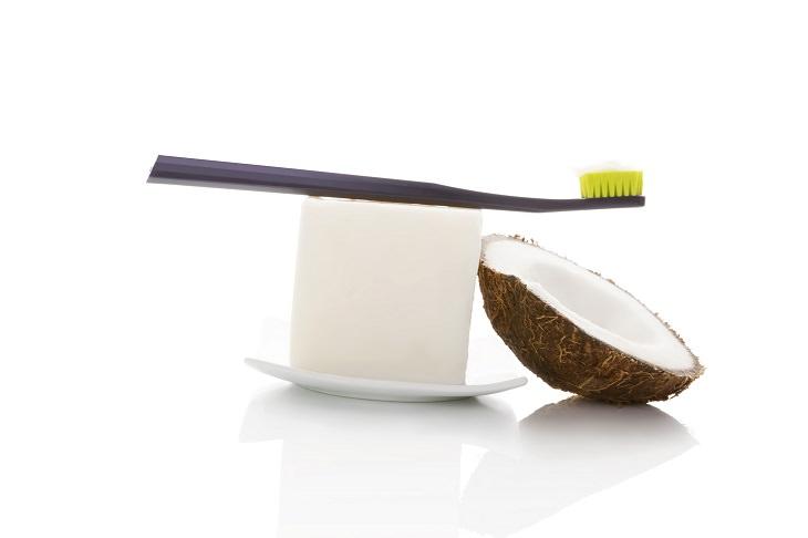 Faça o seu próprio creme dental natural