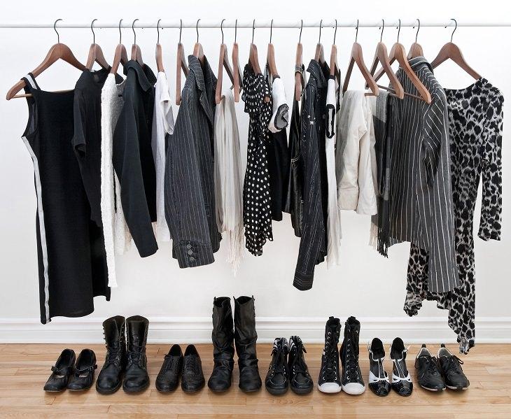 roupas escuras